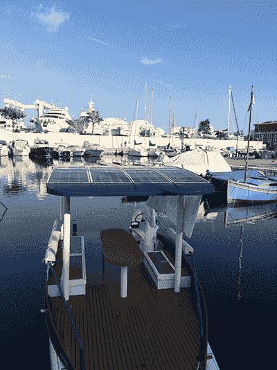 Photographie du bateau électrique seaZen.